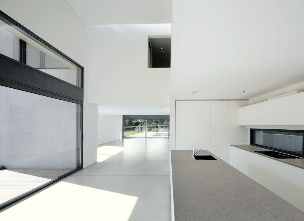 Ariane flooring Strato countertop